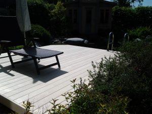 Terrasse aus Accoya gefertigt. Firma Grad-Decking.