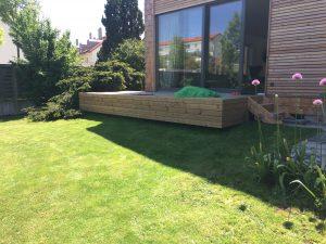 Eine Terrasse aus Thermokiefer, die wir für einen Kunden aus München angefertigt haben.